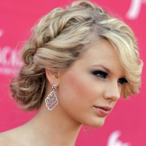 taylor-swift-hairstyle-2